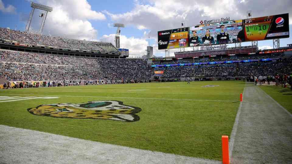 THURSDAY NIGHT FOOTBALL - A Survivor at Every Stadium: Jacksonville Jags