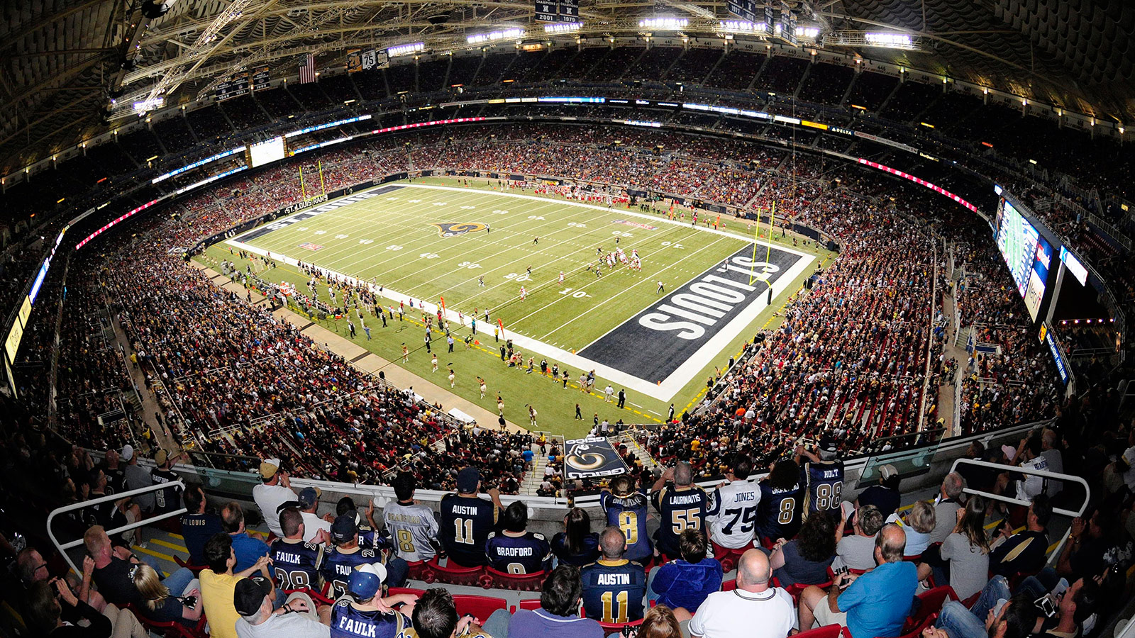 THURSDAY NIGHT FOOTBALL - A Survivor at Every Stadium: St. Louis Rams