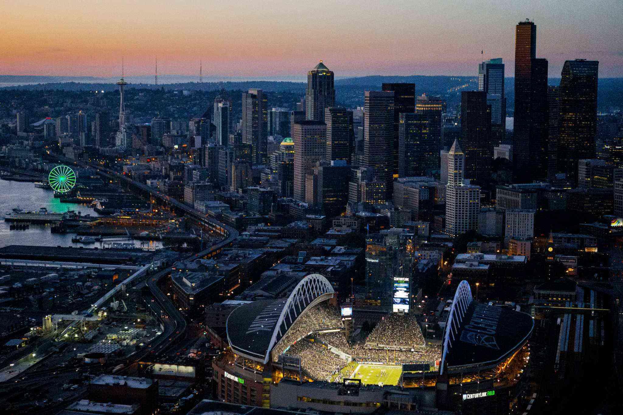 Survivor at Every Stadium: Seattle Seahawks - Monday Night Football